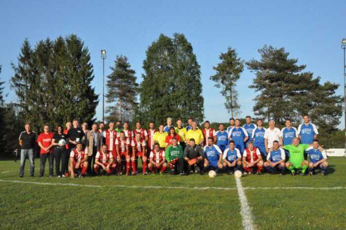 Kaiserslautern, Benefizfußballspiel fuer die Grundschule Erzhütten © Polizei