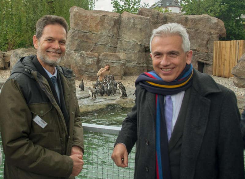 Zoodirektor Dr. Miguel Casares, Oberbürgermeister Peter Feldmann (Foto: Bernd Kammerer)