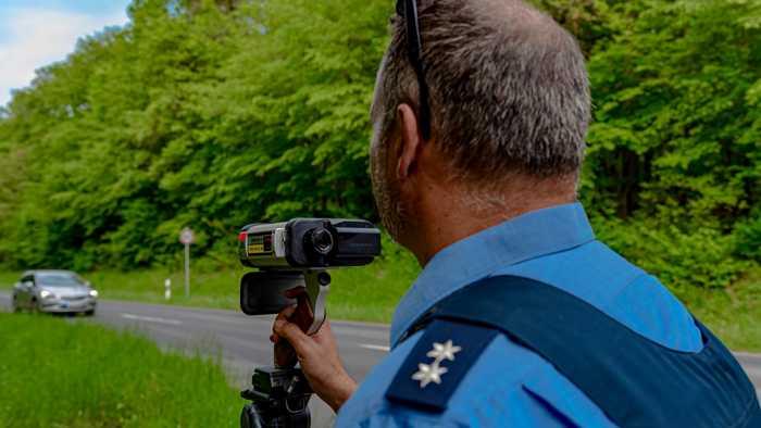 Symbolbild, Polizei, Kontrolle, Geschwindigkeit
