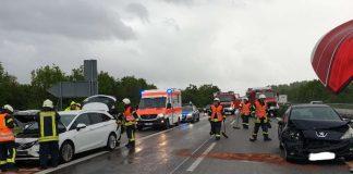 Unfall auf der A 65 (Foto: Feuerwehr Neustadt)