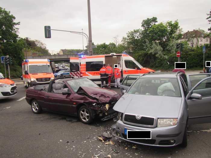 Verkehrsunfall mit vier verletzten Personen