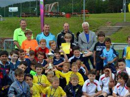 Mannschaft gewinnt das Turnier der Grundschulen
