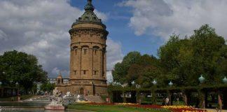 Symbolbild, Stadt, Mannheim, Wasserturm, Blumenrabatten, Frühling © (pxhere)
