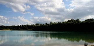Symbolbild, Wasser, See, Baggersee, Sommer, Schwimmen © on Pixabay.jpg