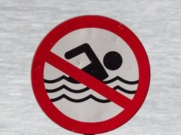 Symbolbild Schwimmen verboten (Foto: Pixabay)