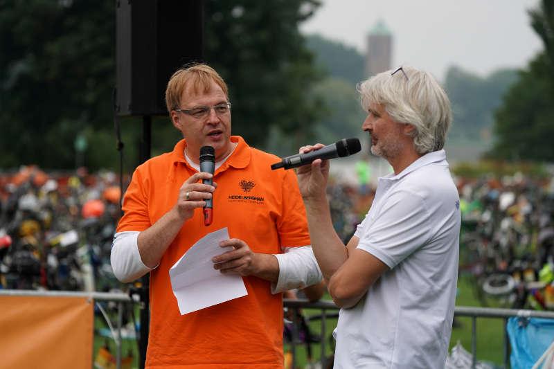 Rennleiter Peter Verclas und Moderator Wolfgang Grünwald (Foto: Holger Knecht)