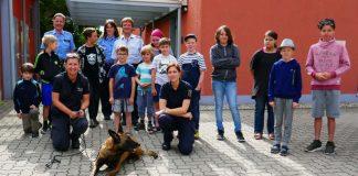 Feriensommer - Kinder bei der Polizei Neustadt (Foto: Polizei RLP)