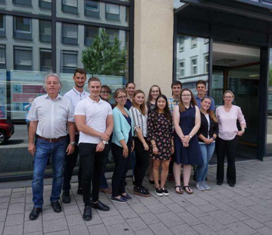 Finanzanwärterinnen und Finanzanwärter (Foto: Landesamt für Steuer)