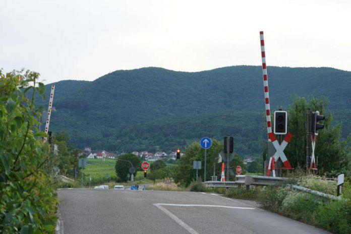 Bahnübergang K 9 in Neustadt an der Weinstraße (Foto: Holger Knecht)