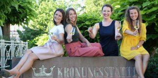 Die vier Kandidatinnen. v.l.: Rosa Rummel, Christina Fischer, Anna-Maria Löffler und Tamara Fränzle (Foto: Pfalzwein e.V.)