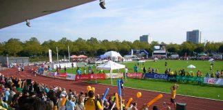 Zielankunft im Carl-Kaufmann-Stadion (Foto: Hannes Blank)