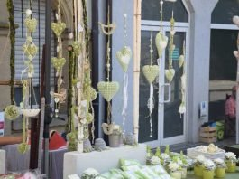 Markt der schönen Dinge_Kirchplatz - Siehe Sinsheim - Quelle: Stadtmarketing Sinsheim