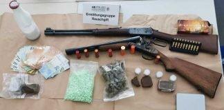 Sichergestellte Drogen und Waffen