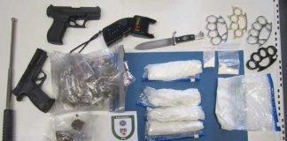 Sicherstellung von Drogen und Waffen