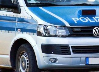 Symbolbild, Polizei, Bus, Polizeieinsatz, seitlich vorne_ © on Pixabay