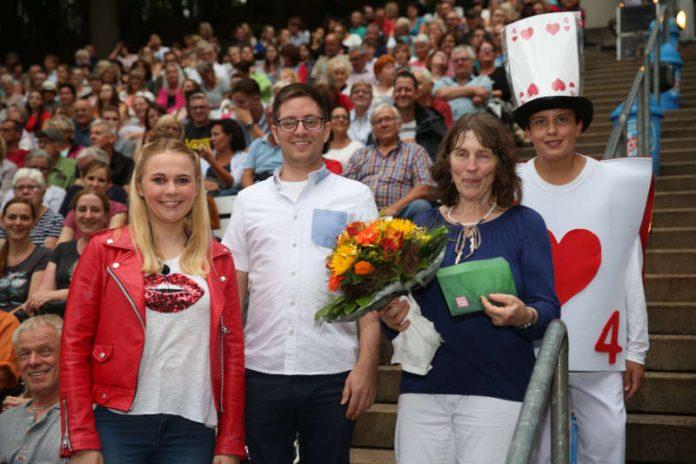 Die 10.000. Besucherin wurde begrüßt (Foto: Prosper Weber)