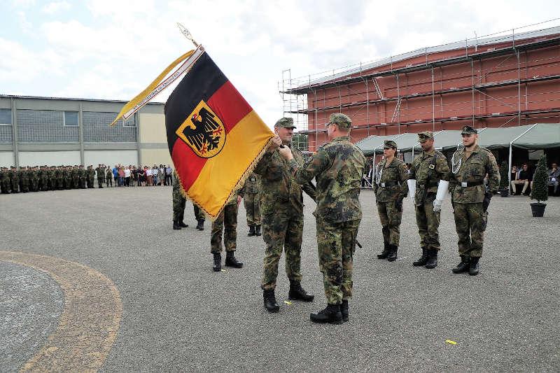 Abgabe des Kommandos (Foto: Bundeswehr/Frank Wiedemann)