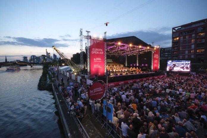 Europa Open Air des hr-Sinfonieorchesters und der Europaeischen Zentralbank (Foto: hr Tim Wegner)