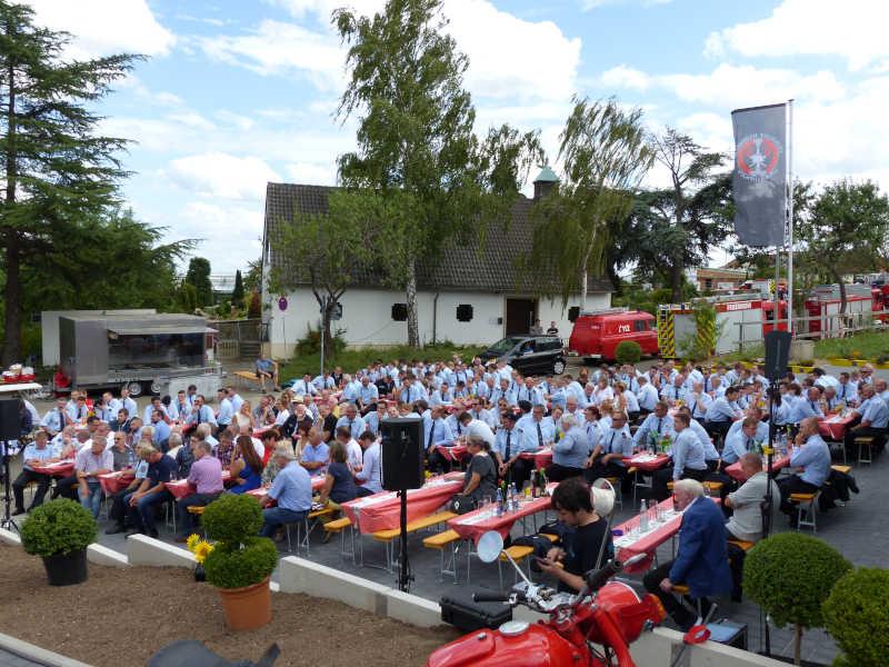Feuerwehrangehörige (Foto: Feuerwehr Neustadt)