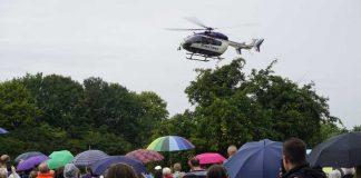 Immer ein Zuschauermagnet - Hubschrauber im Anflug