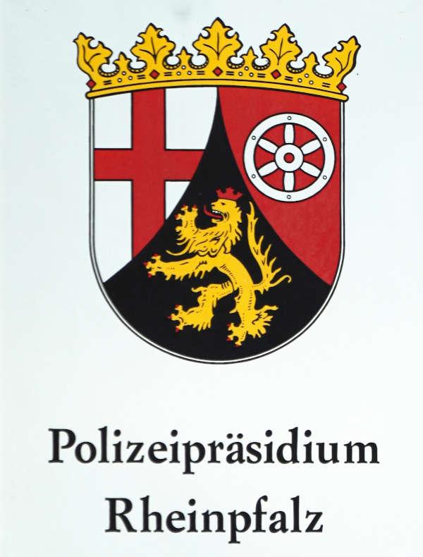 Schild Polizeipräsidium Rheinpfalz