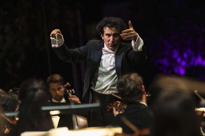 Dirigent Alain Altinoglu beim Europa Open Air 2019 (Foto: hr/Ben Knabe)