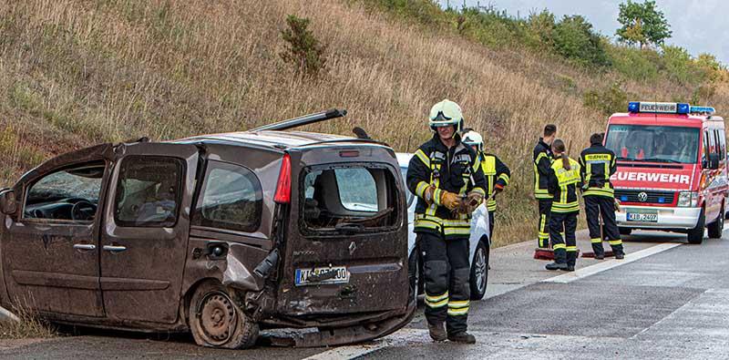 Unfall A 63 am Samstagnachmittag (Foto: Helmut Dell)