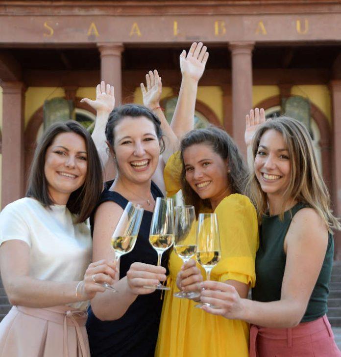 Die vier Kandidatinnen (Foto: Pfalzwein e.V.)