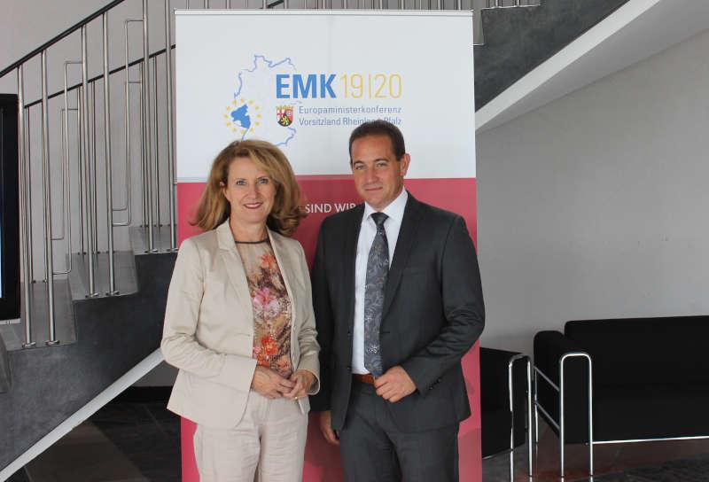 Staatssekretärin Heike Raab und SGD Süd-Präsident Hannes Kopf (Foto: SGD Süd)