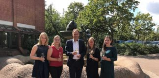 Eva-Marie Leonhard, Anna Fath, Landrat Dietmar Seefeldt, Ines Rehm, Daniela Hormuth (Foto: Südliche Weinstrasse e.V.)