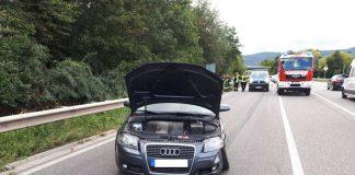 Der unfallbeteiligte Audi auf der B 38 (Foto: Polizei RLP)