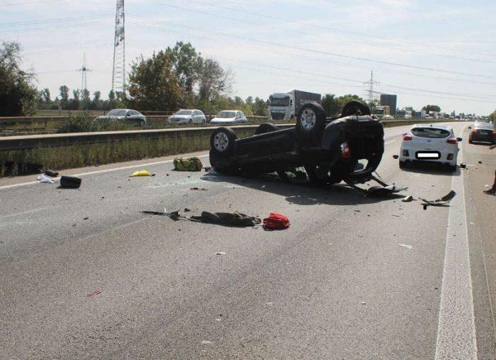 Übersichtsaufnahme der Unfallstelle (Foto: Polizei RLP)