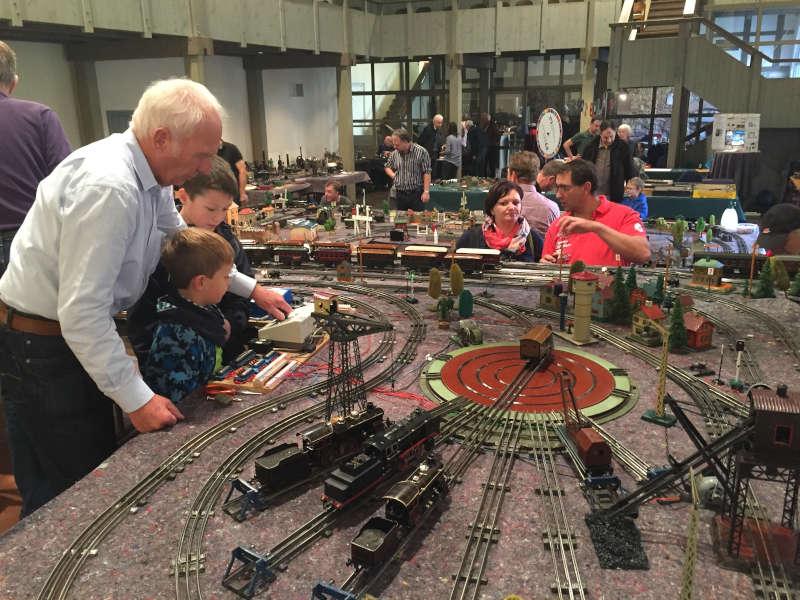 Die lebendige Ausstellung (Foto: Förderverein des Spielzeugmuseums Freinsheim e.V.)