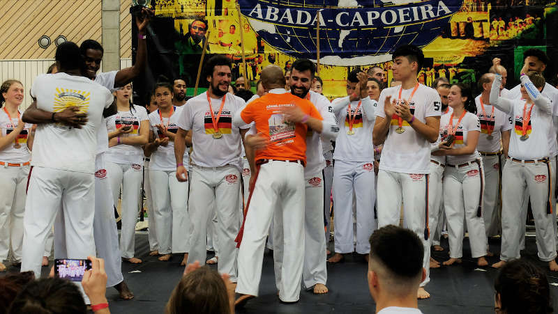 Der Karlsruher Alfred Xhelilaj (Capoeirista Calopsia) gewinnt Bronze bei der Deutschen Capoeira-Meisterschaft (Foto: Uwe Böse)