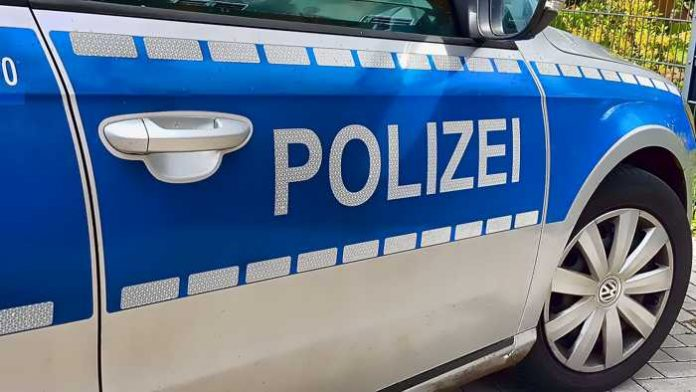 Symbolbild, Polizei, Auto, Seitlich © Ingo_Kramarek on pixabay