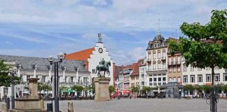 Symbolbild, Städte, Landau, Innenstadt, Rathausplatz, Stadtmitte © on Pixabay