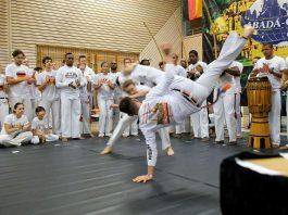 Der Karlsruher Alfred Xhelilaj (Capoeirista Calopsita) im Wettkampf (Foto: Uwe Böse)