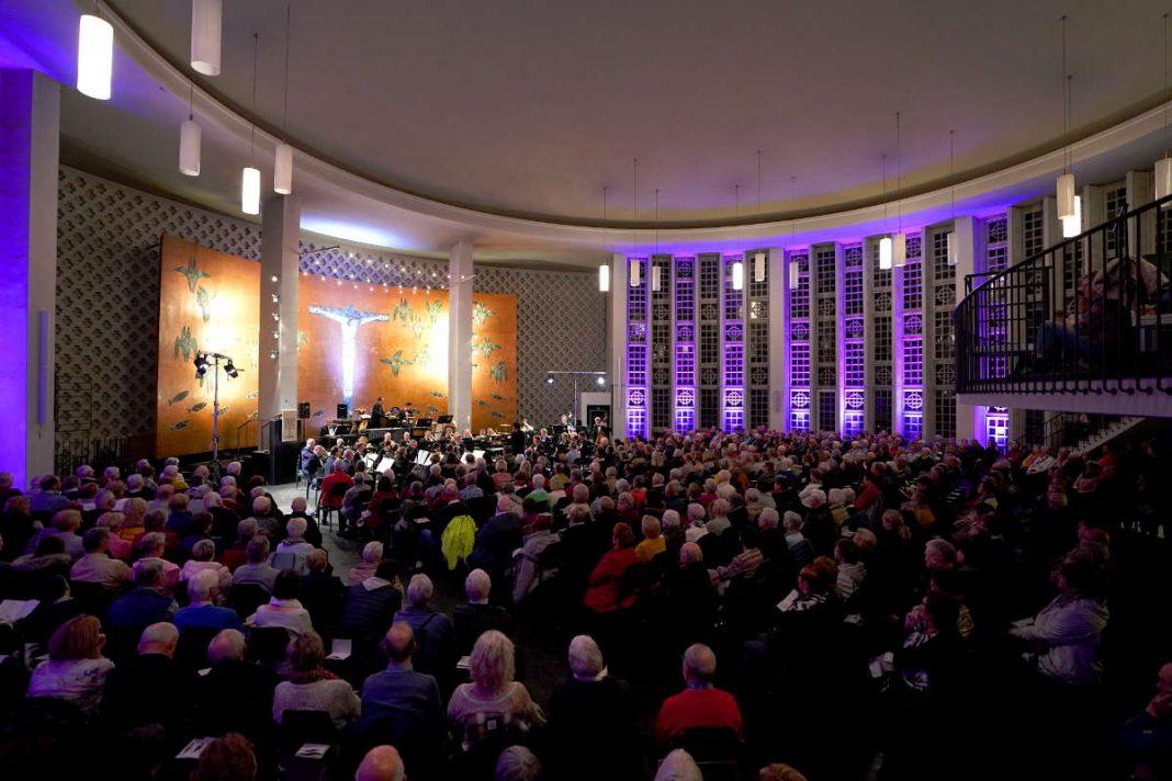 Ludwigshafen Friedenskirche Adventskonzert LPO RLP 2019 (Foto: Holger Knecht)