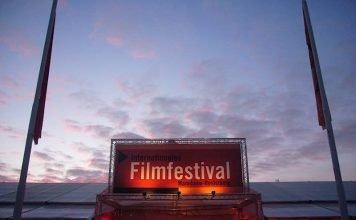 Festivalzelt in Abendstimmung (Foto: Hannes Blank)