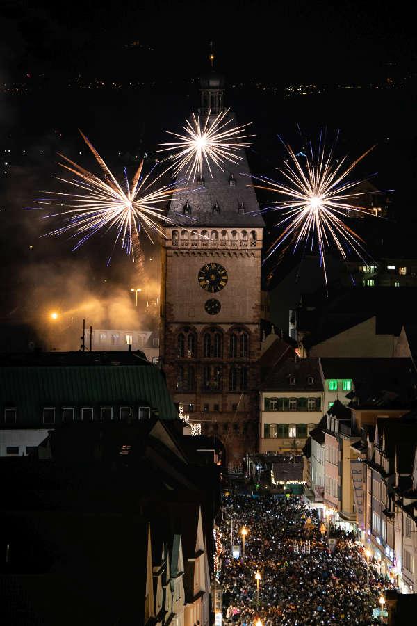 Altpörtel in Flammen (Quelle: Domkapitel Speyer / Foto: Andreas Klehmann)