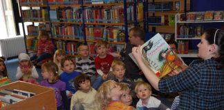Büchervorlesen (Foto: Stadtbücherei Neustadt)