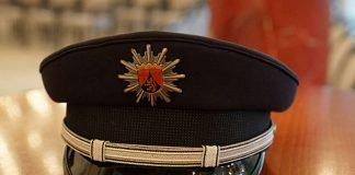Symbolbild Polizeimütze (Foto: Holger Knecht)