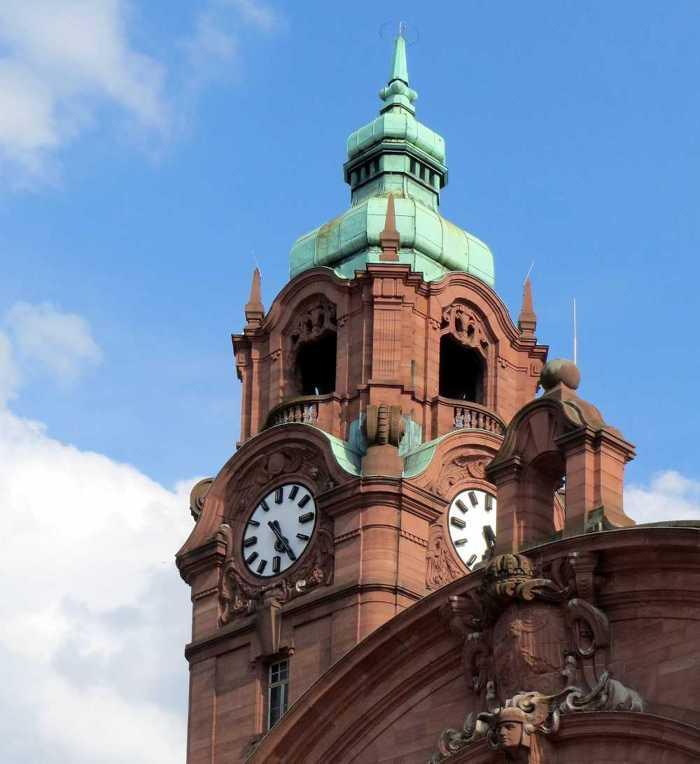Symbolbild, Städte, Wiesbaden, Hauptbahnhof, Turmuhr, Aussenansicht © on pixabay
