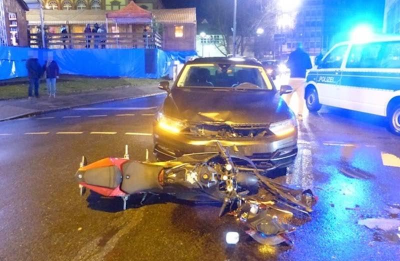Beide Fahrzeuge waren nicht mehr fahrbereit und mussten abgeschleppt werden. (Foto: Polizei RLP)