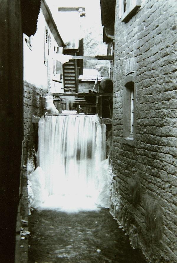 Das Foto stammt aus dem Jahre 1928 und zeigt die Wappenschmiede im Winter. (Archiv Wappenschmiede/Richard Siebein)