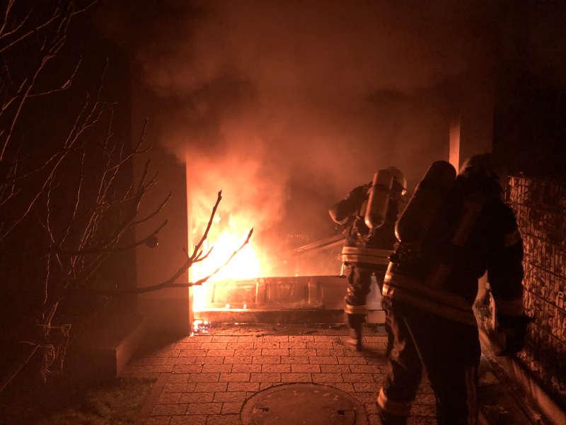 Brandbekämpfung (Foto: Feuerwehr Neustadt)