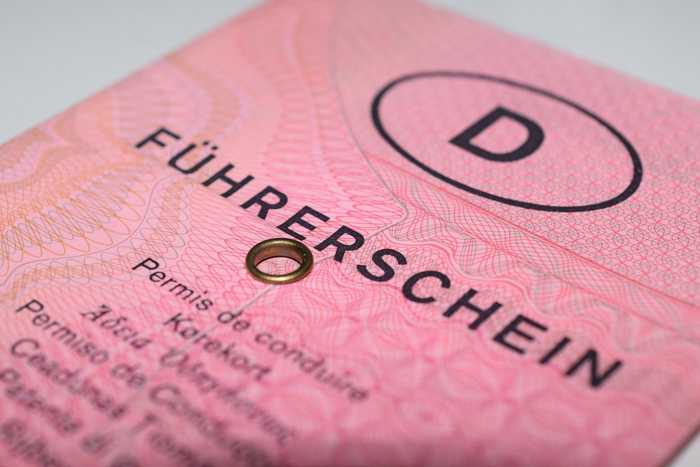 Symbolbild Führerschein, Rosa, Alter Schein © on Pixabay