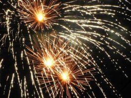 Symbolbild, Feuerwerk, Silvester, Himmel (pxhere)