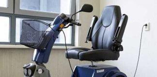 Symbolbild, Fortbewegung, Mobilität, Elektro-Rollstuhl, E-Scooter © Sabine van Erp on pixabay