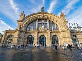 Symbolbild, Stadt, FFM, Hauptbahnhof, Aussen, Tag © on Pixabay